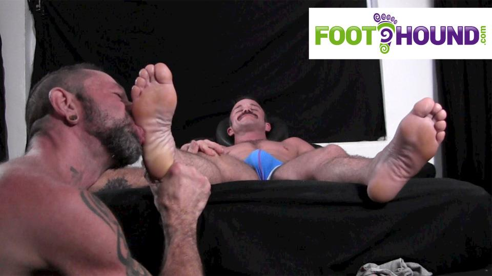 Foot-Hound-Marky-Sparks-Foot-Worship-Cum-Free-Gay-Porn-13 Muscle Stud Gets His Feet Worshiped And Drops A Load