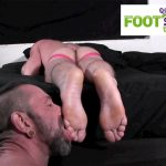 Foot-Hound-Marky-Sparks-Foot-Worship-Cum-Free-Gay-Porn-16-150x150 Muscle Stud Gets His Feet Worshiped And Drops A Load